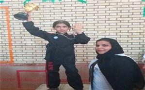 درخشش دختر آبپخشی در مسابقات کیک بوکسینگ