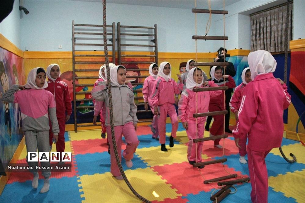 افتتاح دو خانه بازی و نشاط در مدرسه با حضور مدیرکل تربیت بدنی و فعالیتهای ورزشی وزارت آموزش و پرورش