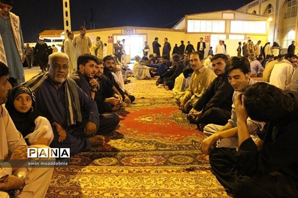 زائران حسینی پاکستانی در موکب زائر سرای امام رضا (ع) زاهدان