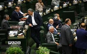 اعتراض نماینده قائمشهر به قطع میکروفونش؛ ادیانی مجلس را ترک کرد