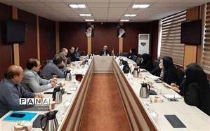 نشست ماهانه کمیته کیفیت بخشی مدارس هیات امنایی منطقه 13 تهران