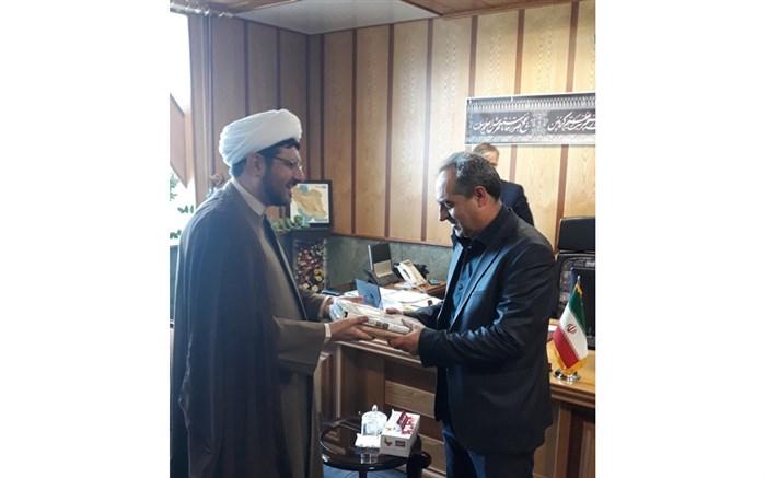 استقبال استاندار قم از پیشنهاد انتخاب استان قم به عنوان پایتخت کتاب