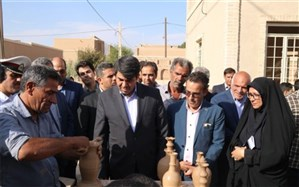 بازدید استاندار یزد از نمایشگاه توانمندی روستاهای میبد