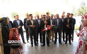 برگزاری جلسه خیرین مدرسه ساز با حضور خیر مدرسه ساز ومسئولین شهرستانی ومنطقه ای در جعفرآباد