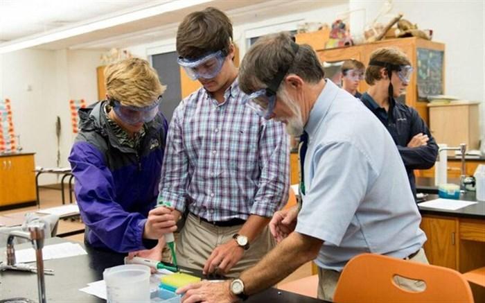 تضمین آینده شغلی بهتر دانشآموزان با روشهای جدید آموزشی