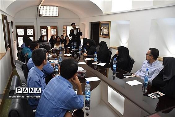 آشنائی دانشآموزان سمپادی با حقوق کودک وحقوق شهروندی