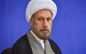 امامجمعه شیراز: اسلام میخواهد آقامَنِشی را به انسان دهد و در روش و منش حافظ، این ویژگی نمایان است