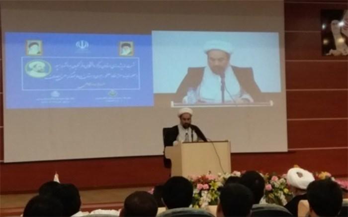 امام جمعه زاهدان: دانشگاهها در کنار رشد علمی بصیرت افزایی را در دستور کار قرار دهند
