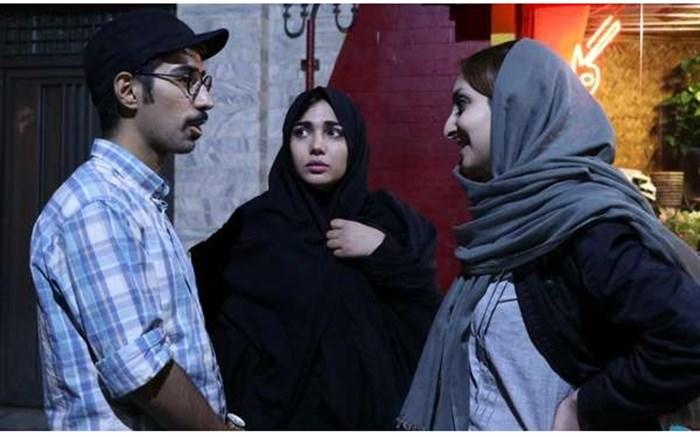 فیلم سینمایی دور از اینجا