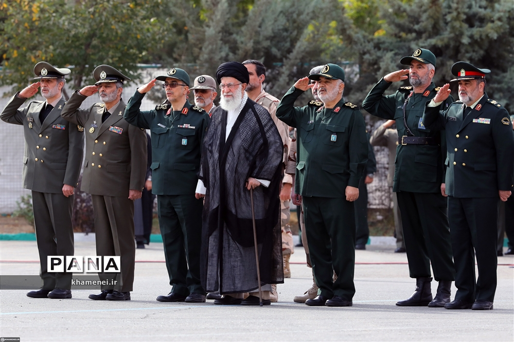 حضور رهبر معظم انقلاب در مراسم دانشآموختگی دانشجویان دانشگاه امام حسین (ع)