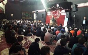 جمعی از دانش آموزان البرزی در ناحیه 3 کرج در سوگ اربعین حسینی عزاداری نمودند