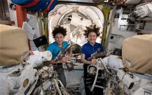 نخستین پیاده روی کاملآ زنانه فضایی انجام شد