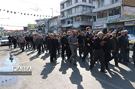 پیادهروی جاماندگان اربعین در قائمشهر