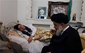 عیادت آیت الله علوی گرگانی و محسن هاشمی از آیت الله امینی + تصویر