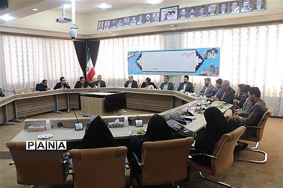 بازدید گروه ارزیابی و نظارت سازمان دانشآموزی مرکز از فعالیتهای سازمان استان همدان