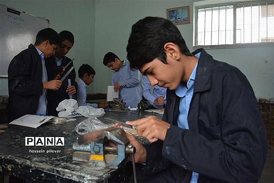 اولین جلسه کارگاه آموزشی در دبیرستان شهید نواب صفوی بیرجند