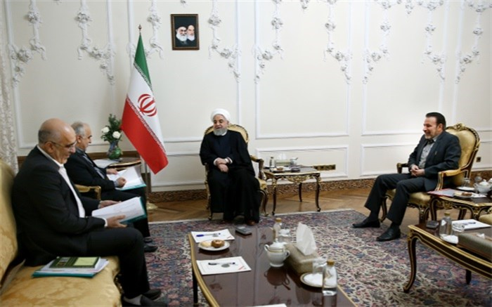 روحانی و وزیر اقتصاد