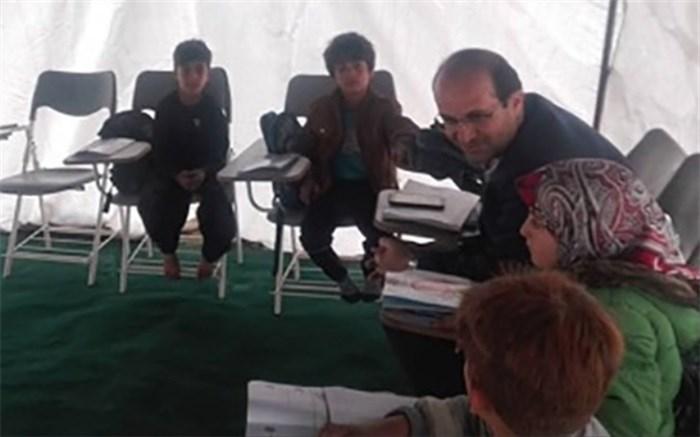 توزیع بیش از 18 تخته چادر و 350 عدد میز و صندلی در کلاس های عشایری استان همدان