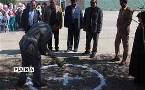 مراسم کلنگزنی ساخت 2 نمازخانه در مدارس روستای تقیآباد فریمان برگزار شد