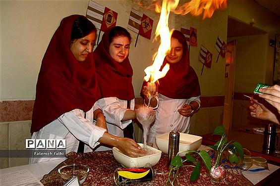 مراسم گرامیداشت روز علوم آزمایشگاهی در چهاردانگه