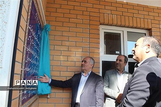 افتتاح مدرسه علوی در شهرستان بهارستان