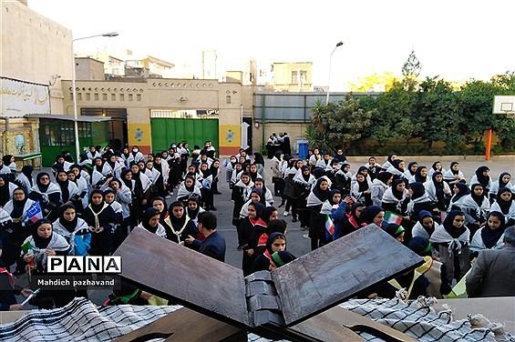نواخته شدن زنگ استکبار ستیزی در هنرستان کیمیا ناحیه 4 شیراز