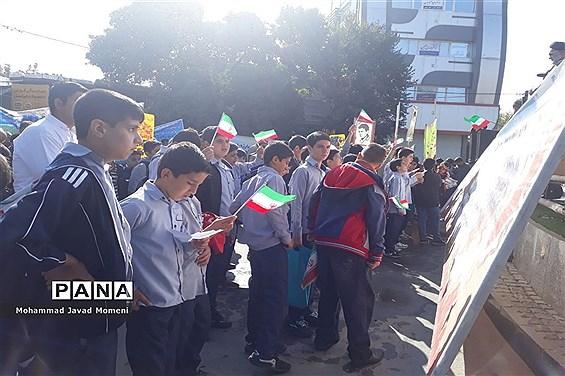 راهپیمایی روز ملی مبارزه با استکبار در شهرستان اسدآباد