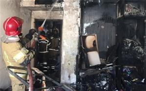نجات زنی از محاصره آتش در شهرک غرب