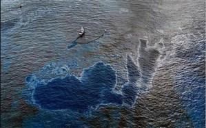 مشاهده لکه بزرگ نفتی در نزدیکی جزیره کیش