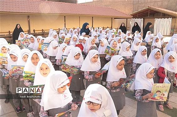 آیین نواخته شدن بیست و هفتمین زنگ دانایی در پایتخت کتاب ایران، یزد