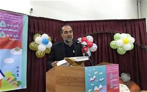 والدین نقش آغازین در ترویج فرهنگ کتاب خوانی در جامعه را ایفا می کنند