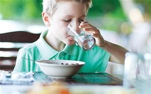 آیا همراه غذا «آب» بخوریم