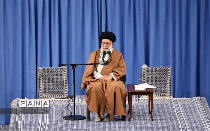 دیدار هزاران نفر از دانشآموزان و دانشجویان  با رهبر انقلاب اسلامی