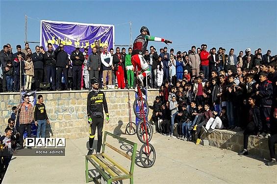 همایش دوچرخه سواری و پیاده روی خانوادگی در شهرستان شاهین دژ
