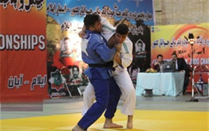 جودوکار گیلانی در رقابت های کشوری به مقام  قهرمانی رسید