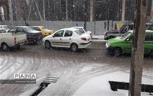 ترافیک روان در معابر پایتخت در روز برفی و بارانی