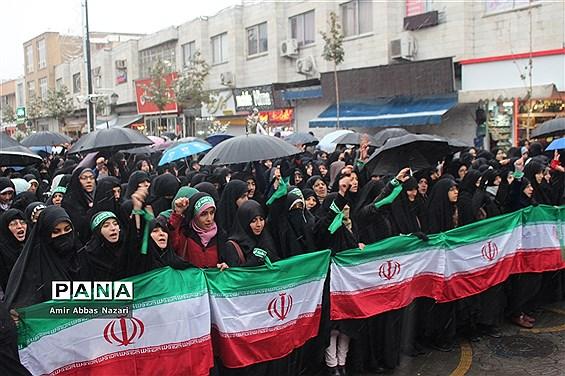 راهپمایی مردم زنجان در حمایت از رهبری