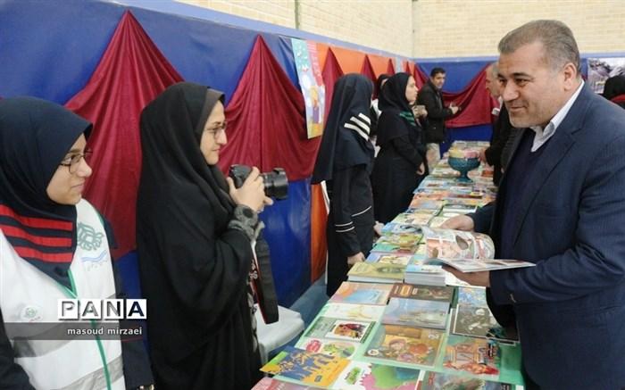 آیین افتتاحیه نمایشگاه های کتاب دانش آموزی مدارس قزوین