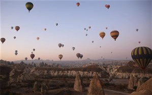پرواز تفریحی با بالن بر فراز کاپادوکیای ترکیه