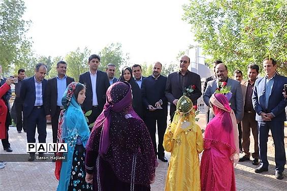 افتتاحیه نمایشگاه دست سازههای دانشآموزان  با مشارکت اولیا در بوشهر