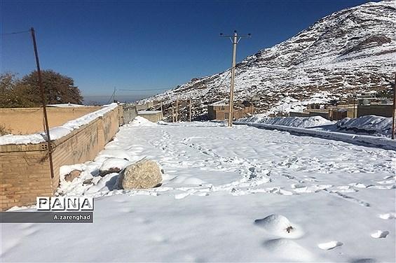 بارش برف  در روستای شرب العین