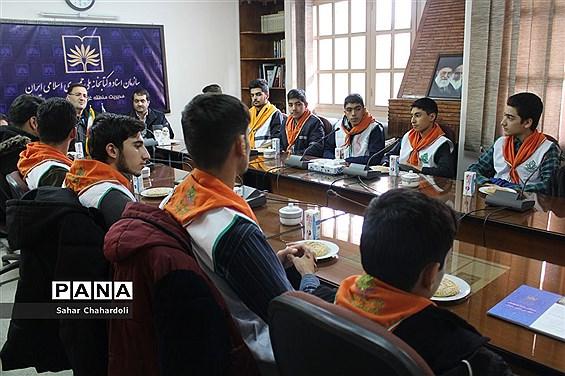 بازدید دانشآموزان پیشتاز هنرستان شهید شبیری از کتابخانه ملی غرب کشور