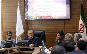 رزم حسینی: توسعه شرکتهای دانش بنیان در گرو رفع بروکراسی اداری است