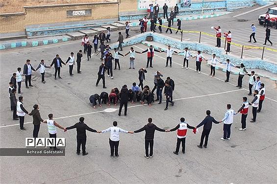 مانور سراسری زلزله در مدارس آذربایجان غربی برگزار شد