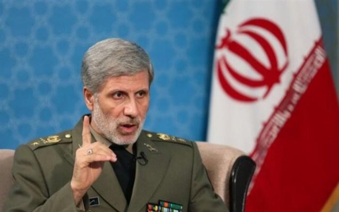 وزیر دفاع: دخالت قدرتهای بیگانه، موجب پیچیدهتر شدن اوضاع منطقه میشود