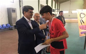 کانون شهدا دشتستان قهرمان مسابقات طناب زنی دانش آموزان پسراستان شدند