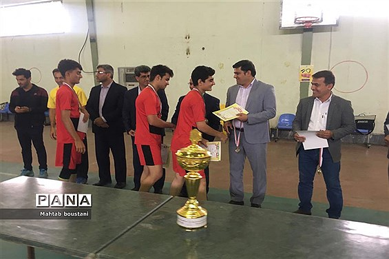 کانون شهدا دشتستان قهرمان مسابقات طناب زنی دانش آموزان پسراستان