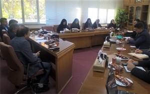 جلسه پرسش و پاسخ نمایندگان مجلس دانش آموزی اصفهان با مدیر کل آموزش و پرورش استان