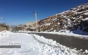 بارش برف در محورهای ۴ استان کشور