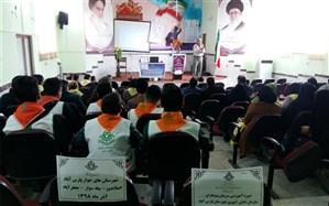 برگزاری دوره توانمند سازی مربیان پیشتازجدیدالورود در شهرستان پارس آباد